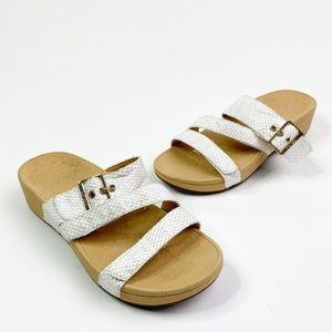 Vionic White Rio Platform Sandals